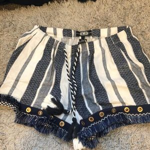 BLUE&WHITE SHORTS
